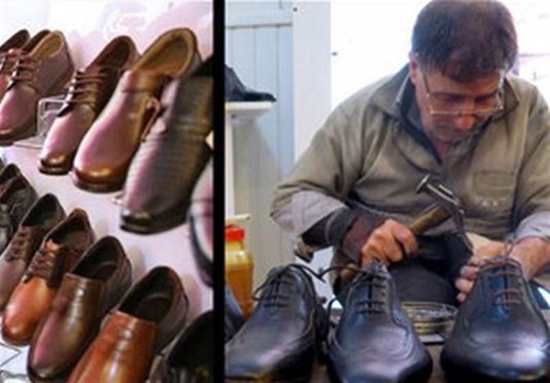 افزایش ۶۰ درصدی قیمت کفش در همدان بازار را راکد کرده است